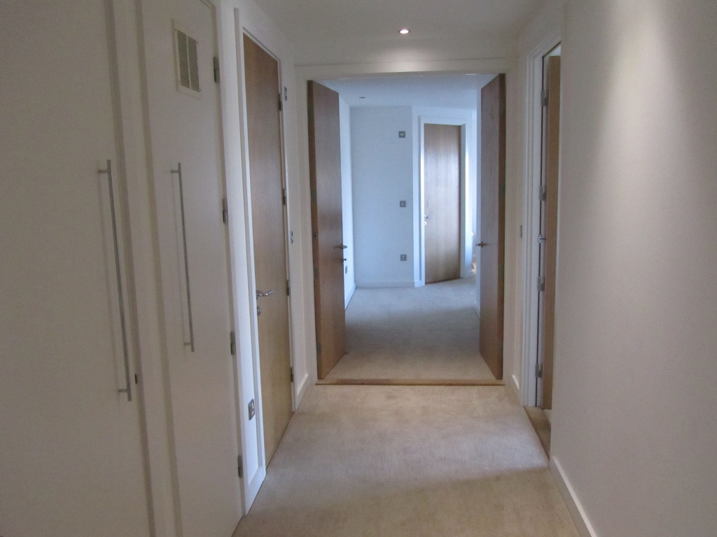 2 Bed Apartment To Rent In Cardiff Ref Iw2622c